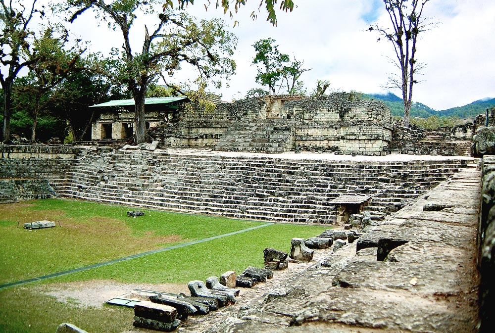 Structure 22a & Temple 22