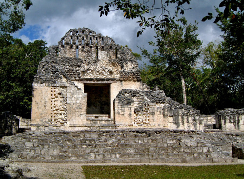 Chicanna Structure VI with its Roof Comb is possibly the only building at Chicanna that wasn't dedicated to ritual