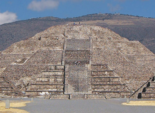 W0007-Teotihuacan-Pyramid-of-the-Moon