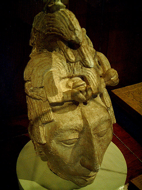 Statue head of the Mayan king, K'inich Janaab' Pakal