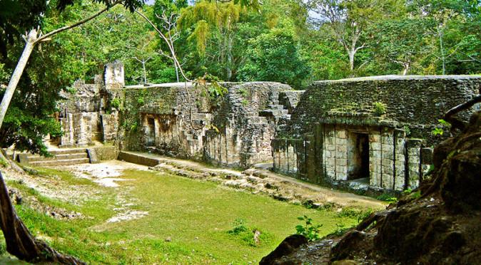 Grupo G at Tikal