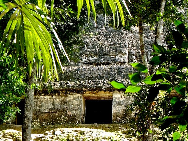 Temple of Inscriptions (Templo VI), at Tikal